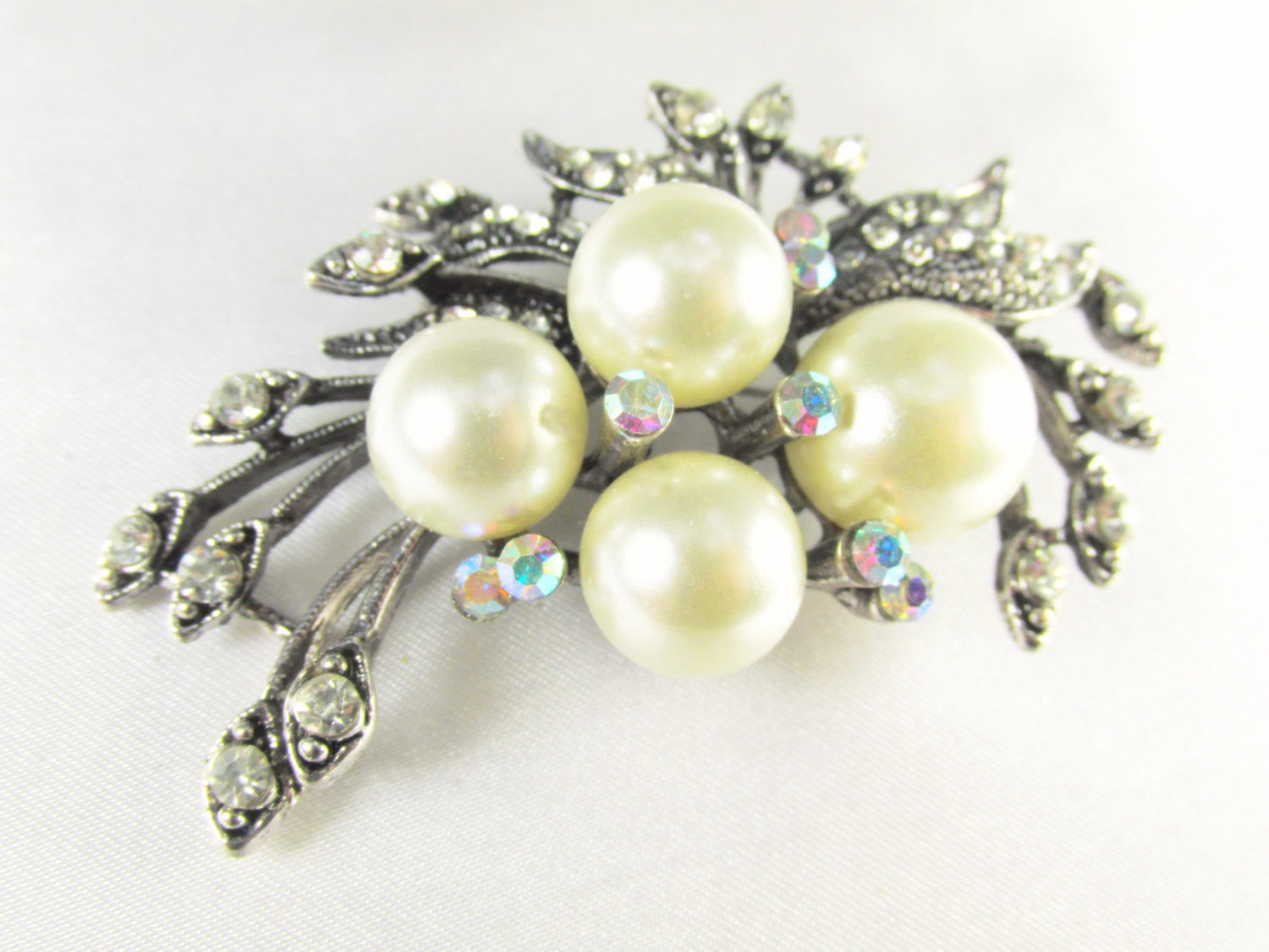 Ivory Large Pearl Cluster Vintage Style Antique Silver Brooch - Odyssey Cache - 1