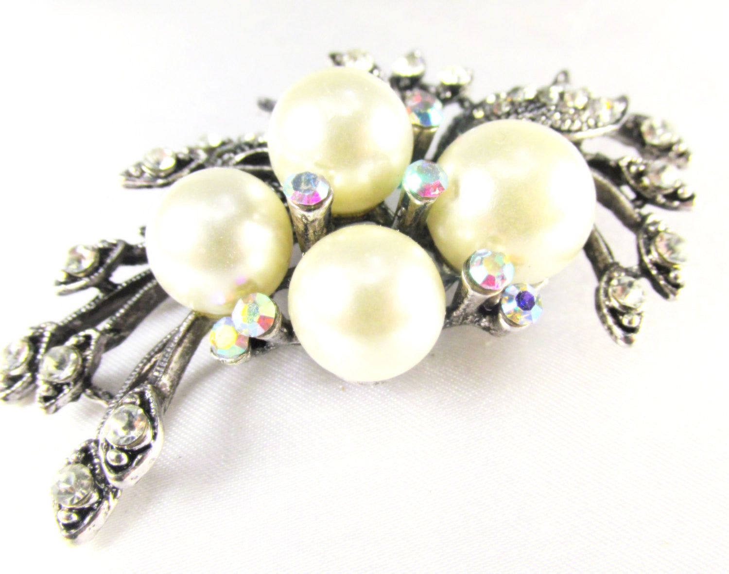Ivory Large Pearl Cluster Vintage Style Antique Silver Brooch - Odyssey Cache - 2