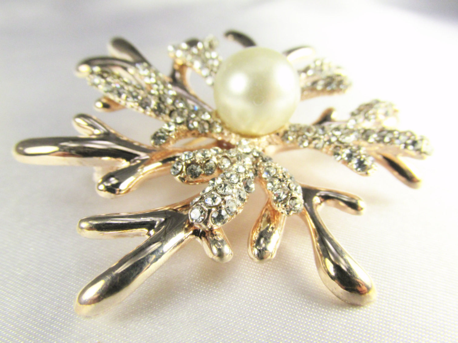 Rose Gold White Pearl and Crystal Coral Reef Brooch - Odyssey Cache - 3