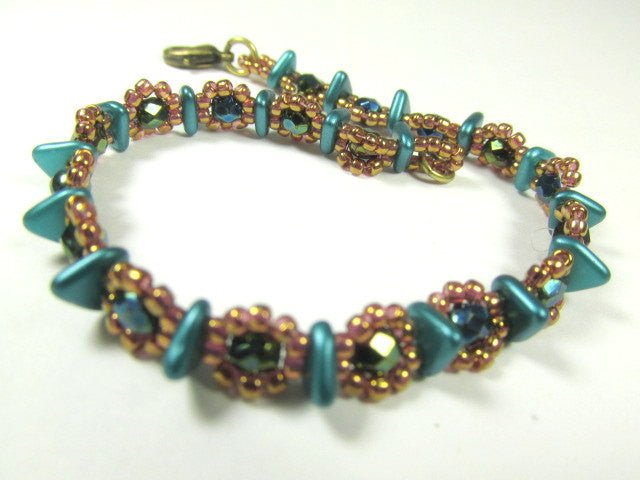 Teal Turquoise and Bronze Gold Beaded Bracelet handmade with Czech Glass Triangles, 4mm fire polished beads and bronze rosegold seed beads - Odyssey Creations