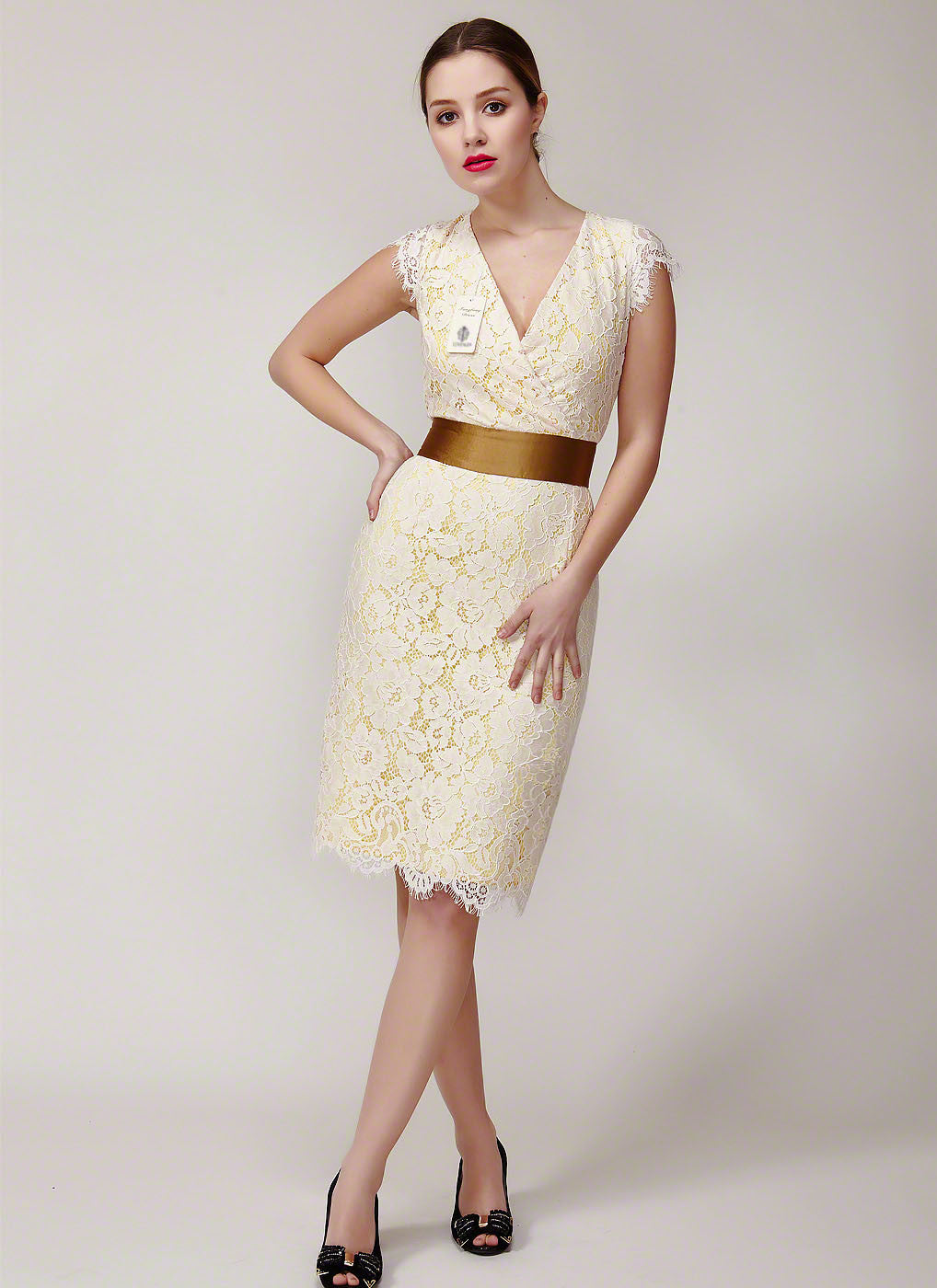 V Neck Short Floral Lace Cocktail Dress with Satin Waist Band ...