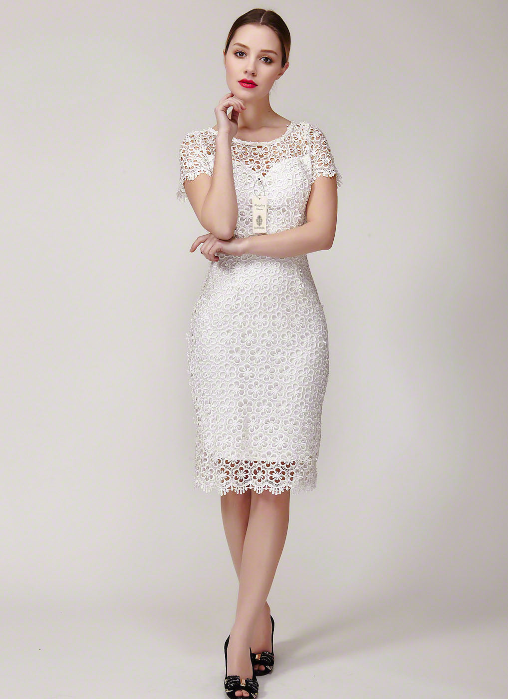 Open Back Vintage Style Floral Lace Wedding Dress  Retro Backless Floral  Lace Dress with Scallop f69ae3e0c