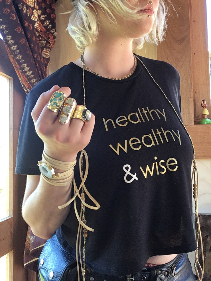 healthy wealthy & wise | FLOWY CROPPED TEE