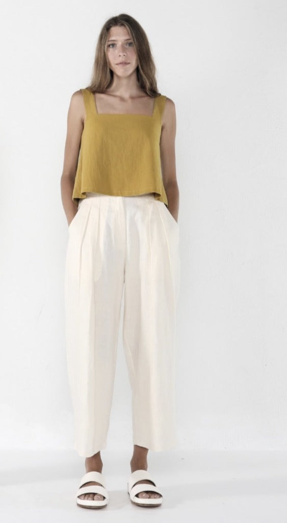 7115 by Szeki Pleated Trouser Off-White Linen
