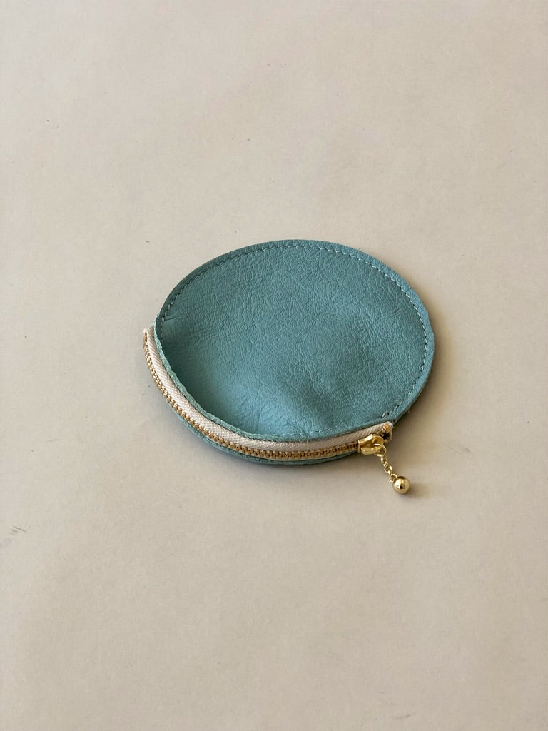 Erin Templeton Round leather zip wallet pouch