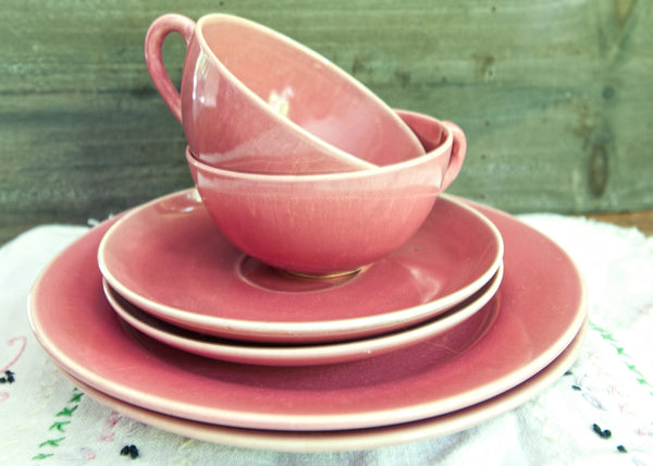 Vintage Mid Century Modern Pink Tea Cups and Saucers
