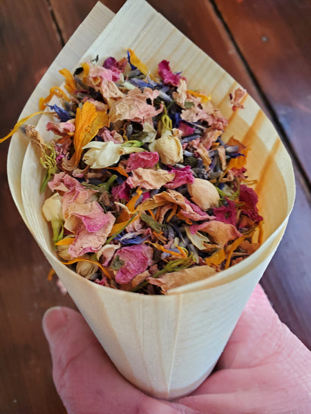 Flower Confetti Cones | Natural Wood Paper Cones for Wedding Exit Toss, 25 cones