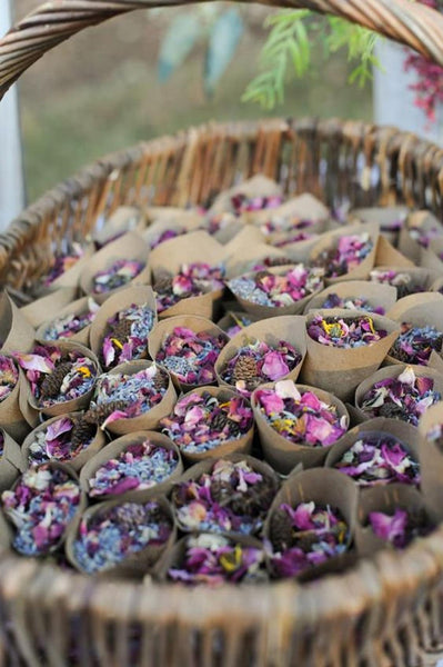 Wedding Confetti and Kraft Petal Cones | for 100 Guests