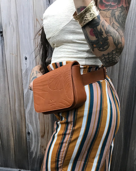 Reign Caramel Belt Bag