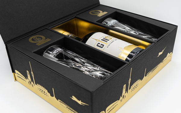GINSTR gift set incl. two Ginstr crystal glasses - Stuttgart Dry Gin