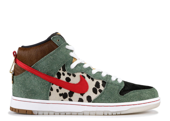 "DUNK HIGH SB ""WALK THE DOG"""