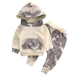 Boys Adorable 2PCS Pullover Hoodie Set With Reindeer Design - Theitkidsboutique
