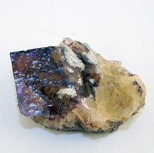 10194_fluorite cube on matrix-side view