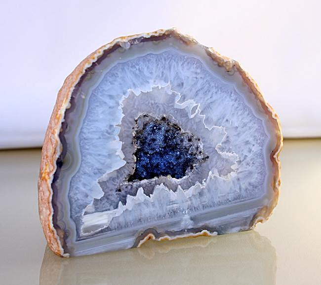 agate-Brazilian-Agate - with- druzy-center-and-pyrite-crystals