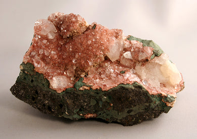 10294_Heulandite with stilbite - front