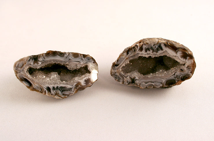 10315_Polished Agate halves_front
