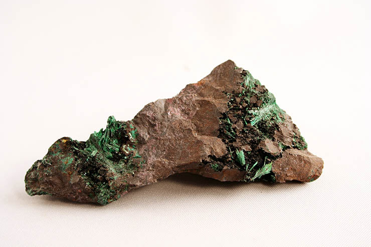 Malachite - acicular crystals - fronit