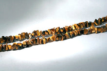 40007 Tiger Eye Infinity necklace - closeup on stones