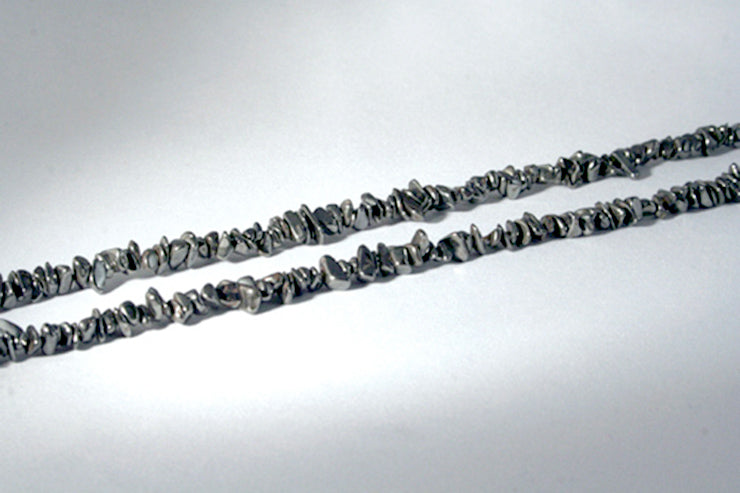 40015_Infinity Hematite chip necklace-close up