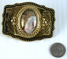 40505 Belt Buckle with crazy lace cab - index with dime