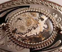 40512_cracy lace belt buckle-close up
