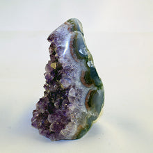 10229 - amethyst showing green agate side