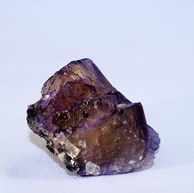 Fluorite cubes front showing yellow interiors