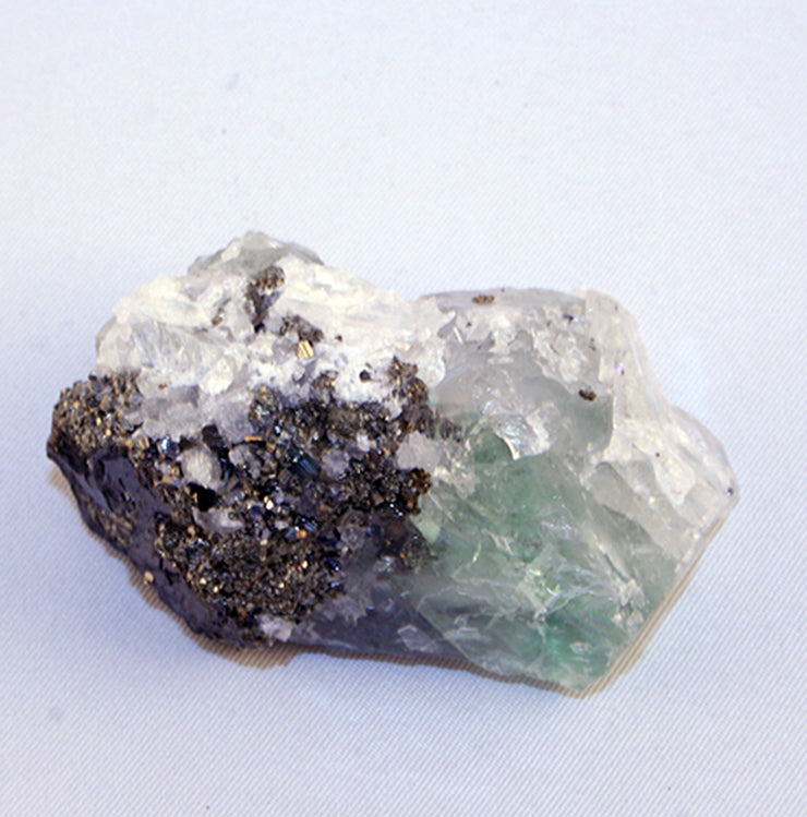 10123_fluorite on pyrite - side view