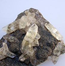 quartz-spears-pyrite-galena-Missouri-closeup