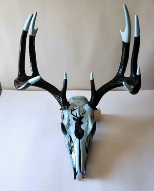 Full size deer skull with deer icon