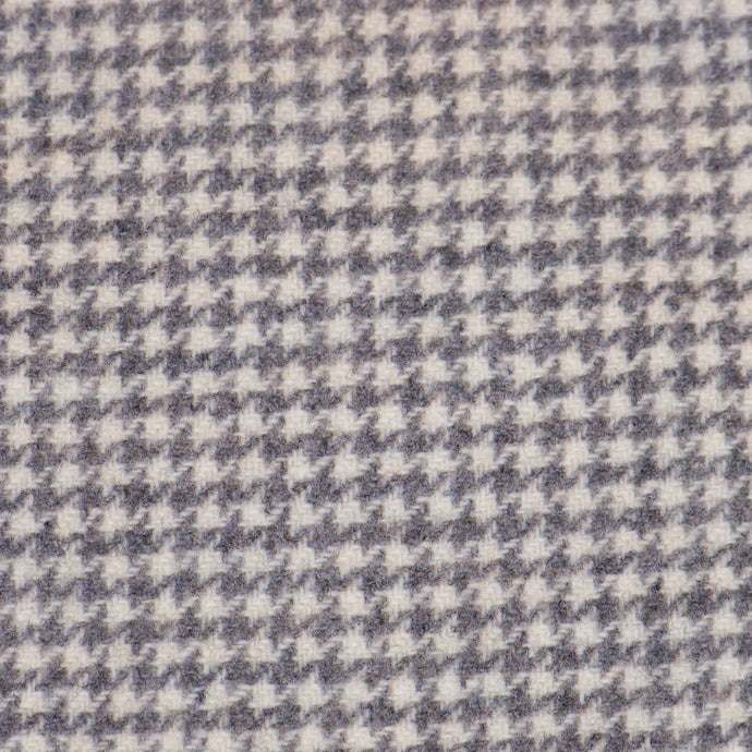 Corder by  Phyllis Meiring Commercially dyed. Grey Houndstooth