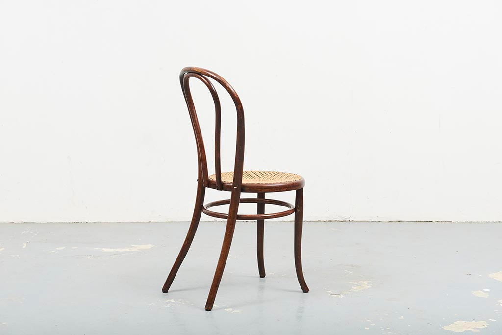 Chaise Thonet 18 cannée