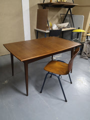 Table scandinave + chaise pagholz