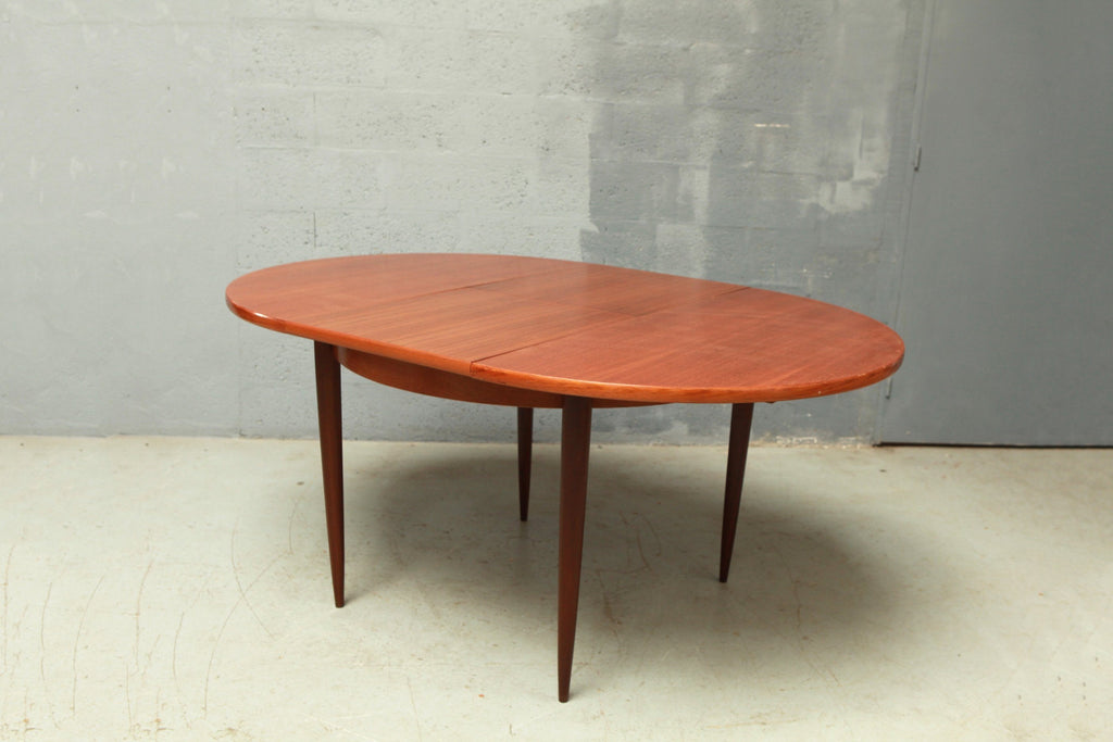 Table scandinave ronde - Cartel de Belleville mobilier vintage paris