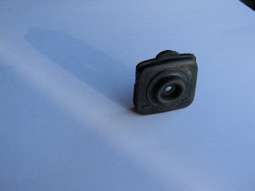 TFPJ35052 GROMMET / BELLOWS Throttle Rod: Jonsered  2141, 2145, 2145S, 2150, 2152, 2153, 2156, 2159 Husqvarna 345, 346, 350, 351, 353, 357, 359 OEM = 503-887201, 537-050901, 537-146501