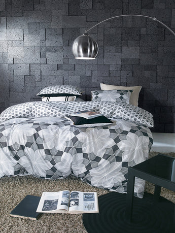 Gray Bold Floral Pattern Duvet Cover Set