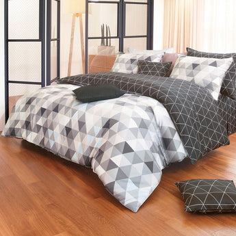 Reversible Black & Gray Triangle Pattern Sateen Duvet Cover Set