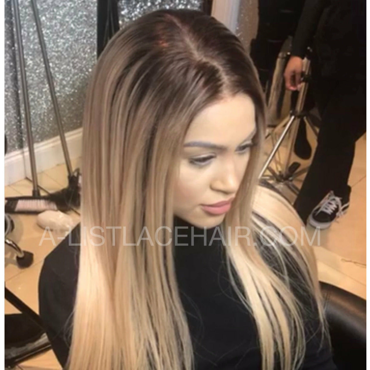 The YASMIN Unit - Glueless Full Lace Wig - Colour #24 with Medium Brown Roots - Straight