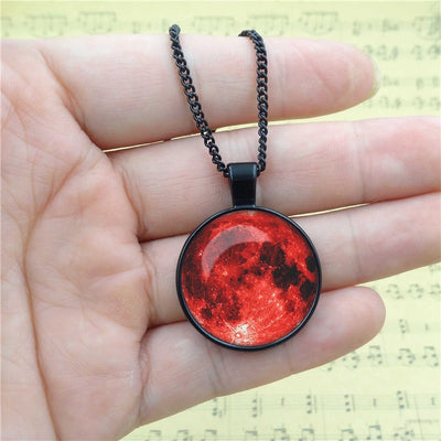 Full Moon Pendant Necklace (4 Colors)