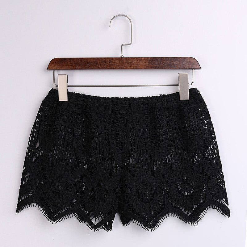 Beachy Lace Shorts (Black and White)