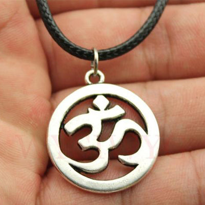 Ohm Pendant Necklace (2 Colors)