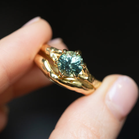 sapphire alluvial gold ring