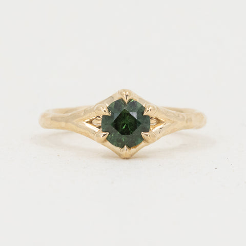 Sapphire 6-Prong Split Shank Carved Solitaire in Yellow Gold