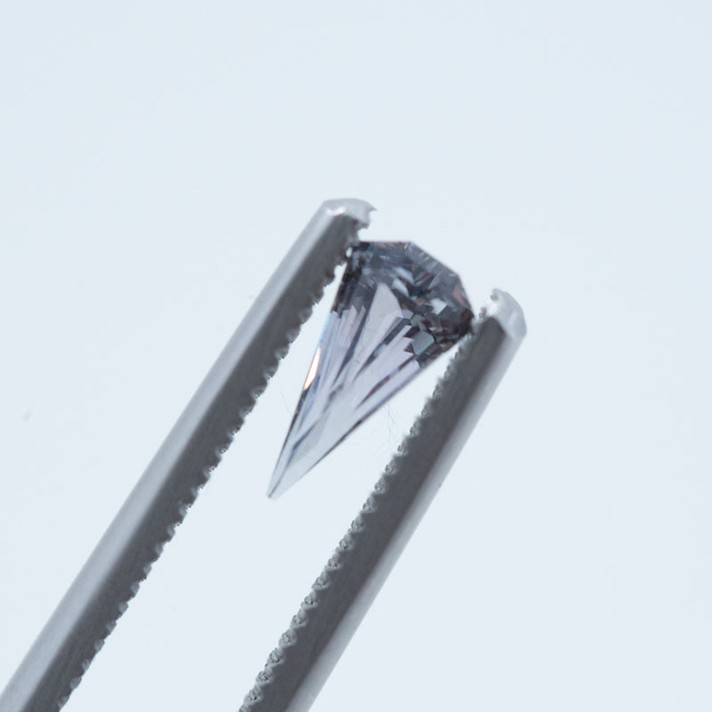 0.61CT GEOMETRIC KITE MONTANA SAPPHIRE, PURPLE GREY, UNHEATED, 8.61X4.44MM