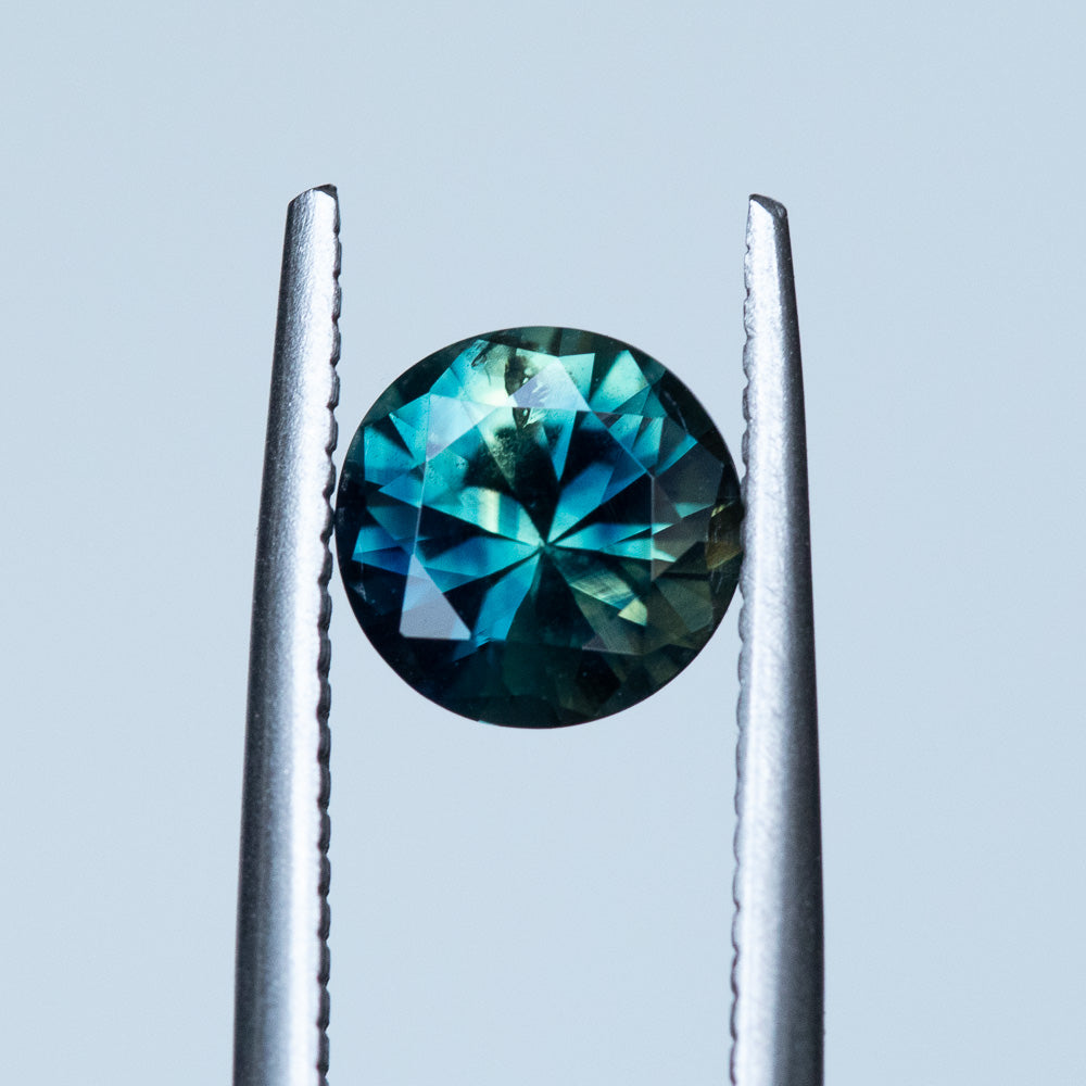 1.53CT ROUND NIGERIAN SAPPHIRE, PARTI BLUE GREEN YELLOW, 7.0MM, UNTREATED