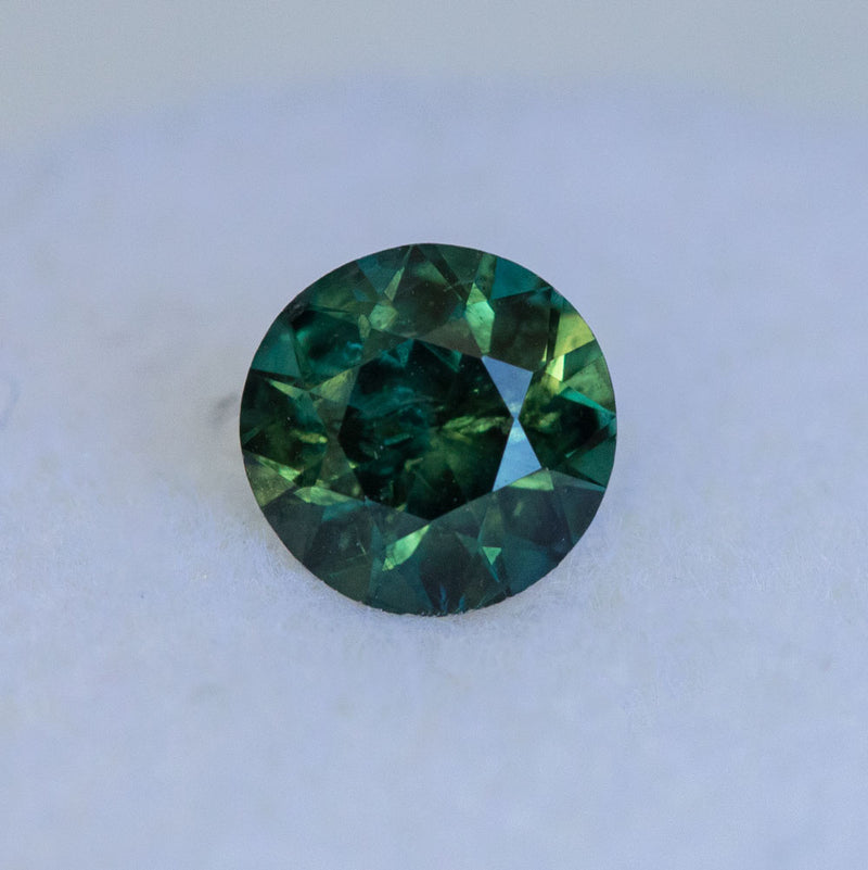 1.02CT ROUND AUSTRALIAN SAPPHIRE, GREEN, 5.94X4.0MM, UNHEATED