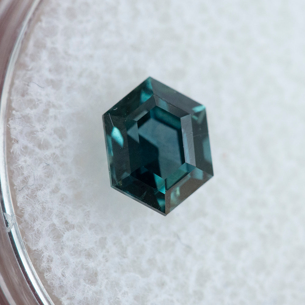 1.04CT HEXAGON MONTANA SAPPHIRE, TEAL BLUE GREEN, 6.91X5.76MM