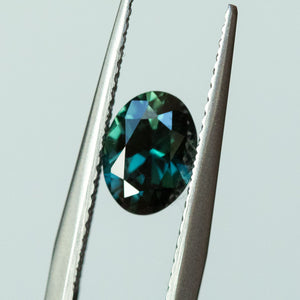1.05CT OVAL SAPPHIRE, DEEP TEAL GREEN, 7.5X5.5MM, UNHEATED