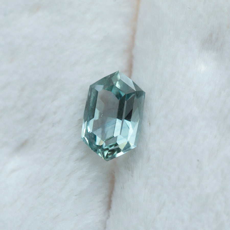 1.10CT HEXAGON MONTANA SAPPHIRE, MINTY BLUE TEAL, 7.1X4.6MM