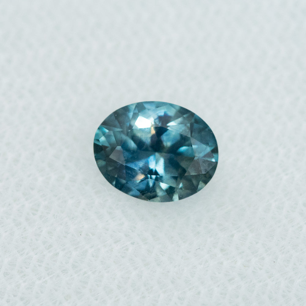 1.13CT OVAL MONTANA SAPPHIRE, PARTI BLUE TEAL WHITE,  7.40X6X3.5MM, HEATED